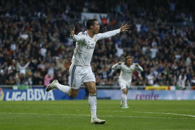 GIF: Cristiano Ronaldo Heads Real Madrid in Front Against Levante
