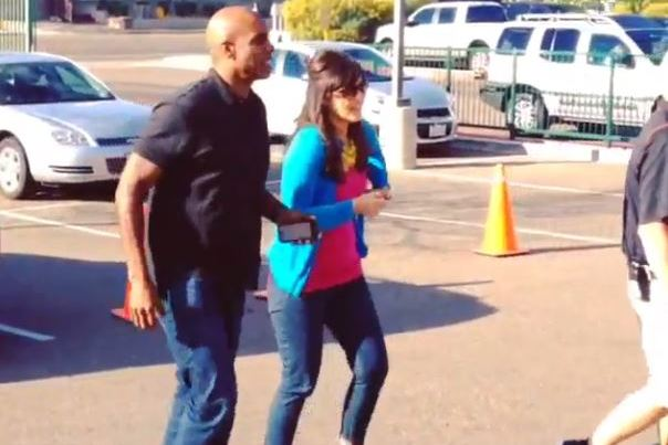 Slimmer Barry Bonds Shows Up to Giants Spring Training, Holds Q&A with Media
