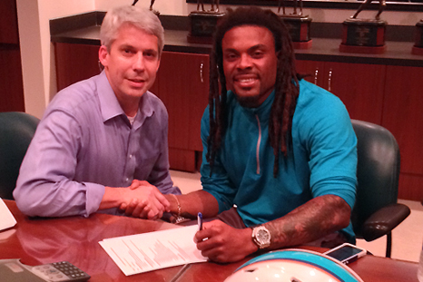Dolphins Sign Louis Delmas
