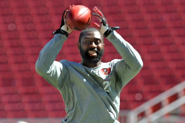 Bucs Are Shopping Darrelle Revis