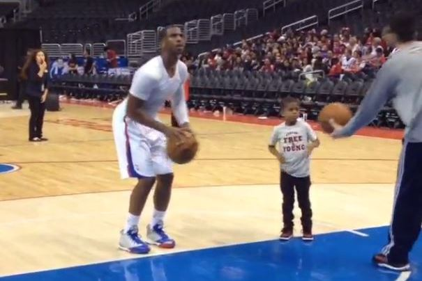 Chris Paul Works on Shot After Clippers' 9th Straight Win