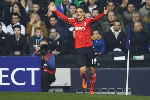 GIF: Rodrigo Gets a Crucial Away Goal for Benfica at Tottenham