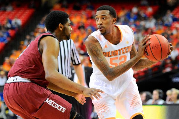 Tennessee Rides Stout Defensive Effort into Semifinals