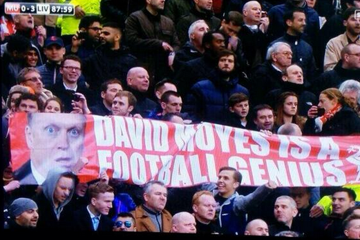 Liverpool Fans Hold Up Cheeky Banner to Mock David Moyes