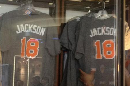 New York Knicks Already Selling Retro Phil Jackson T-Shirts