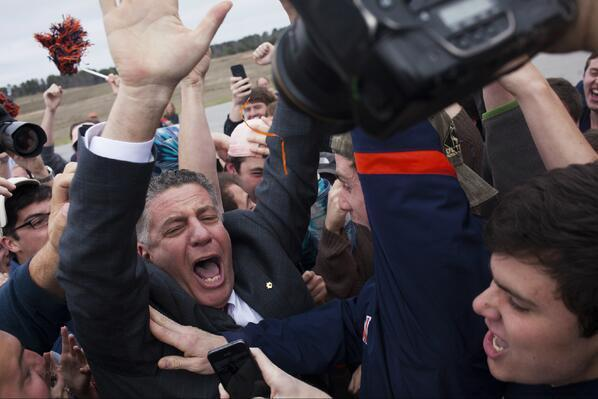 New Auburn Coach Bruce Pearl Wastes No Time Showing School Spirit