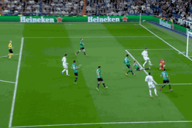 Cristiano Ronaldo Scores Twice for Real Madrid vs. Schalke in Champions League