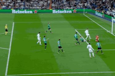 Cristiano Ronaldo Scores Twice for Real Madrid vs. Schalke in Champions League