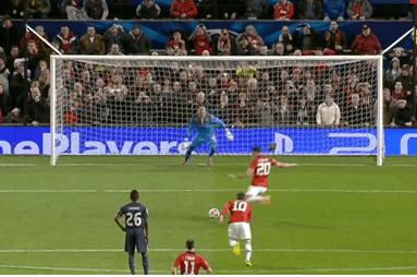 Robin Van Persie Scores Penalty for Manchester United vs. Olympiakos