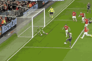 David de Gea Makes Stunning Double Save for Manchester United vs. Olympiakos