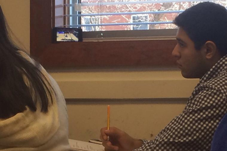 Student Finds Creative Way to Watch 2014 NCAA Tournament During Class