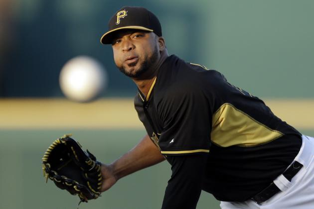 Liriano Leaves Game After Landing Awkwardly