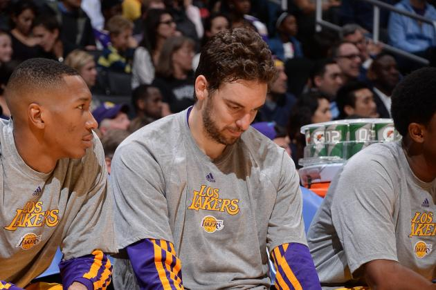 Lakers' Fanbase Tunes out Terrible Season as TV Ratings and Attendance Plummet