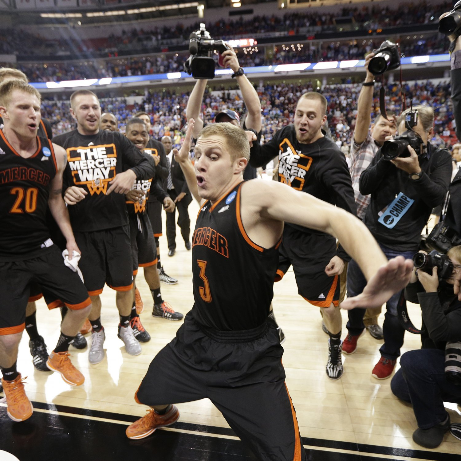 NCAA Tournament 2014 Scores: Results from Friday's Early ...