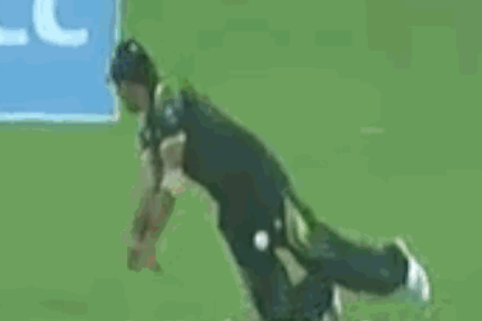 Pakistan vs. India, World T20: Sohaib Maqsood Hit in Groin by Cricket Ball
