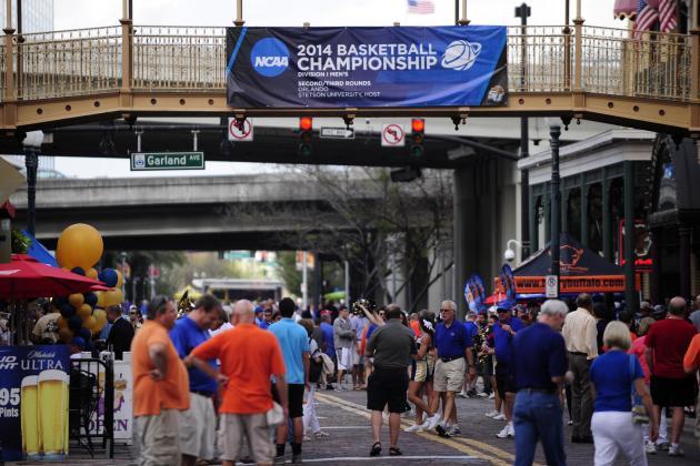 Florida Gators Fans Are Abandoning Football, Flocking to Basketball
