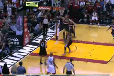 LeBron James Hits Go-Ahead Layup, Chris Bosh Preserves Win with Huge Block