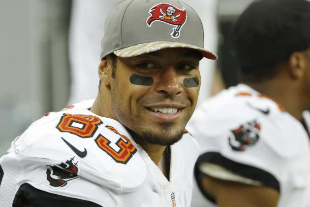 Vincent Jackson Again Buys Lightning Tickets for Military, Is Generally Amazing