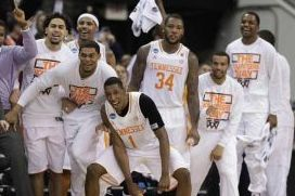 Men's College Basketball: Playing on the Edge Works for Tennessee