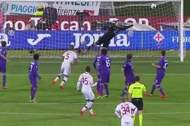 GIF: Mario Balotelli Scores Free-Kick Golazo for AC Milan vs. Fiorentina