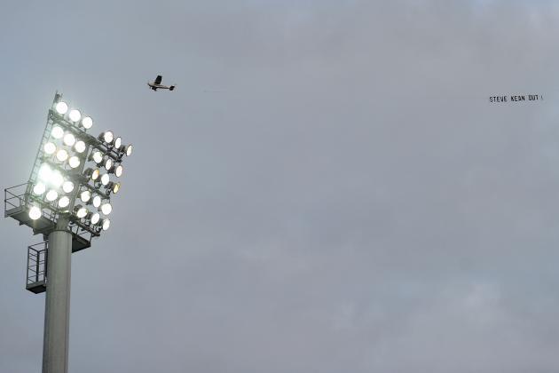 Manchester United Fans Raise Money for David Moyes Flyover Plane Protest