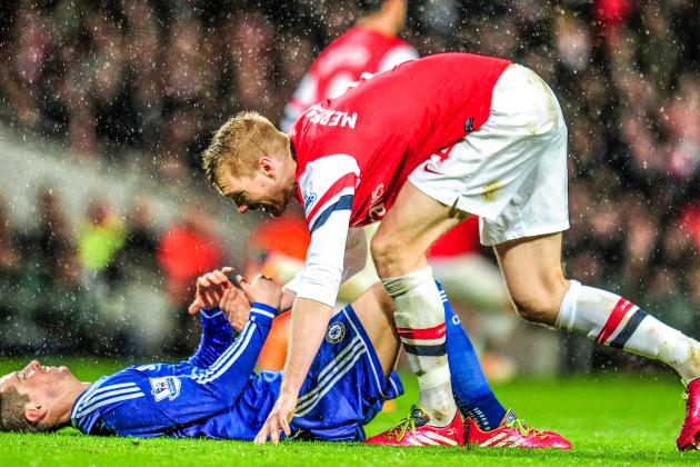 Arsenal's Slow Buildup Susceptible to Pressing: Destroyed by Chelsea as a Result