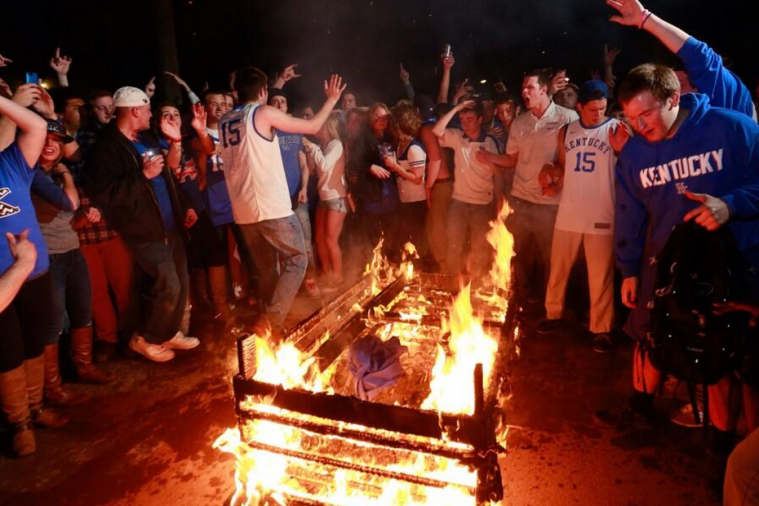 Kentucky Fans Set Couches Ablaze After Sweet 16 Win