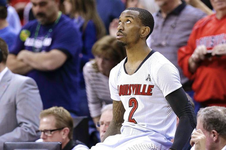 Louisville's Russ Smith Visits Kentucky Locker Room After Loss