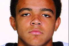 Jalen Guyton Commits to Notre Dame