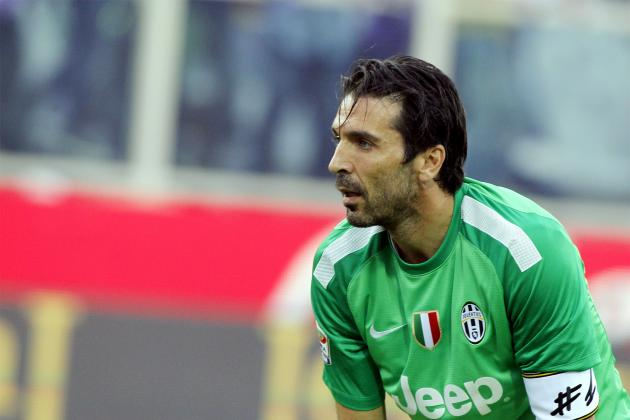 GIF: Gianluigi Buffon Makes Incredible Save to Deny Napoli