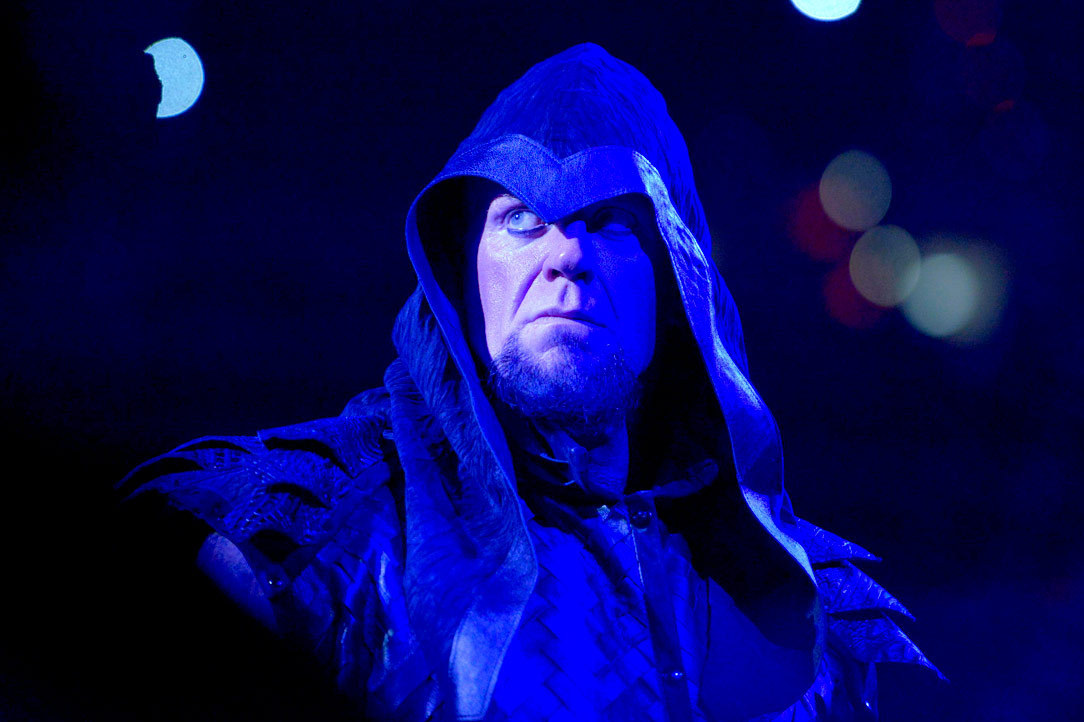 The Undertaker Will Soundly Defeat Brock Lesnar at ...
