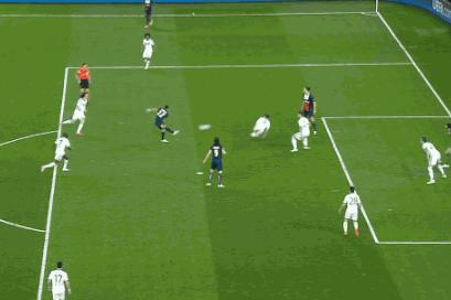 GIF: Ezequiel Lavezzi Scores for PSG vs. Chelsea in Champions League