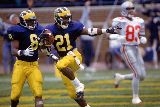 Desmond Howard Gets Rights to Heisman-Pose Photo