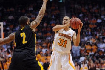 Vols Basketball: Quinton Chievous Leaves Program