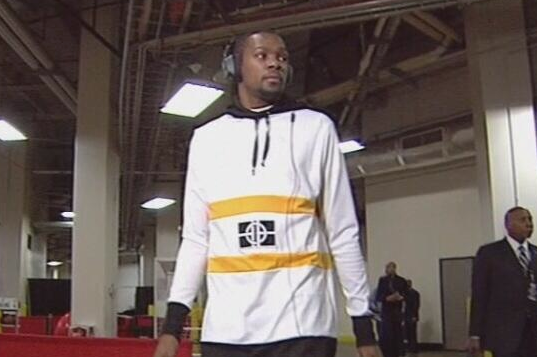 KD Wears Interesting Hoodie to Game