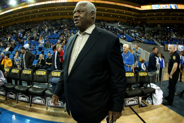 Oscar Robertson Supports 'One-and-Done' College Players