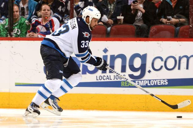 Byfuglien Exits vs. Leafs with Upper-Body Injury