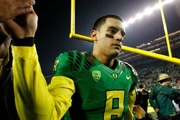 With the NFL in Mind, Marcus Mariota Takes Snaps from Under Center