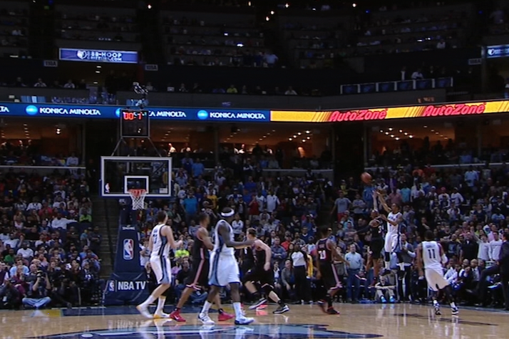 Memphis' Courtney Lee Hits a Buzzer-Beater 3 with 0.7 Seconds Left in 3rd