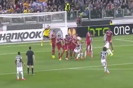 GIF: Andrea Pirlo Hits Perfect Free-Kick Goal for Juventus vs. Lyon