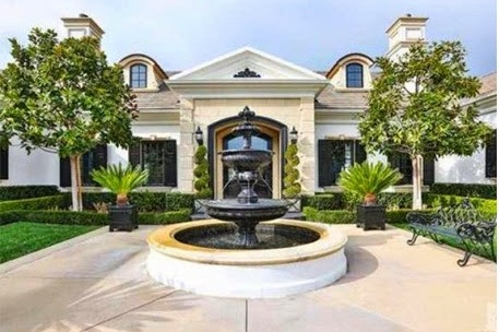 Wayne Gretzky Looking to Make Huge Profit on Renovated California House