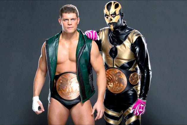WWE Must Book Goldust vs. Cody Rhodes Feud Before 'The Bizarre One' Retires