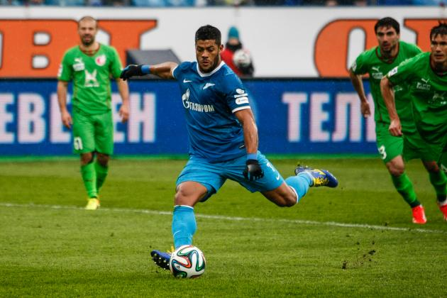 Hulk Scores Ridiculous Long-Range Free-Kick for Zenit in Russia
