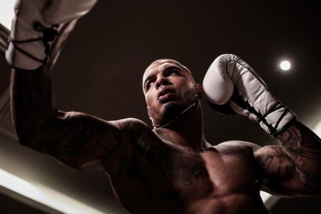 Tyrone Spong Suffers Serious Leg Injury at Glory 15 in Bout Against Gokhan Saki