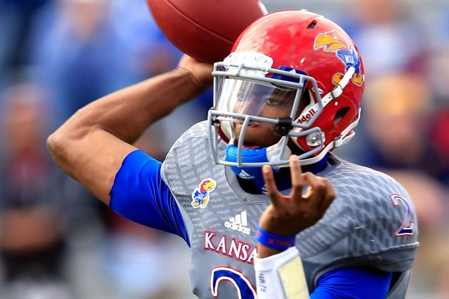 Montell Cozart Rallies Starters to Victory in KU Spring Game