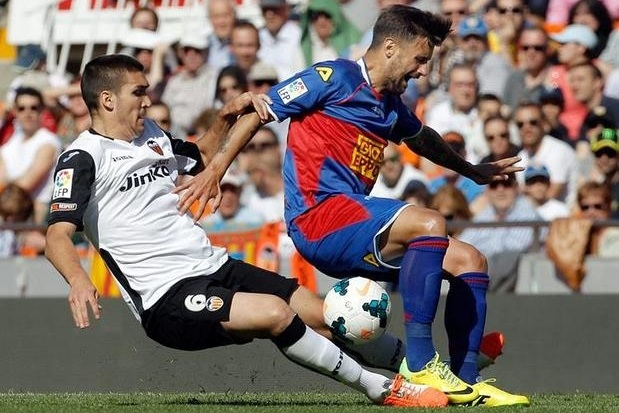 Parejo Strike Claims Valencia the Points