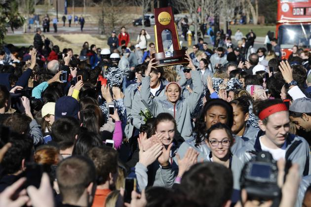 UConn Parade 2014: Twitter Reaction, Photos, Videos and More
