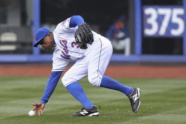 Fan Touches Mets' Granderson During Game