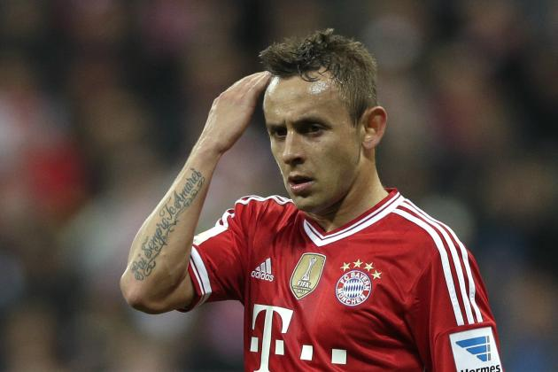 Bayern Munich's Rafinha Suspended for 3 Matches for Scratching Opponent
