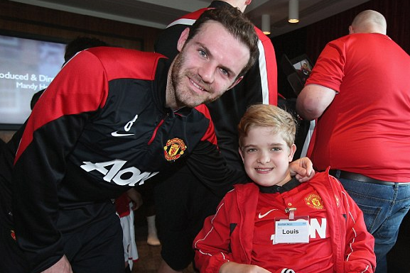Man U Stars Take Time out to Give Kids a Dream Day to Remember